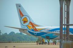 Самолет авиакомпании NOK приземленный на Ubonratchatani стоковое фото rf