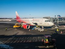 Самолет Аэрофлота авиакомпаний Rossiya на авиапорте Khrabrovo Стоковая Фотография