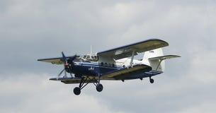 самолет-биплан antonov an2 Стоковые Фото