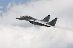 самолет-истребитель получает воинского русского Стоковые Изображения RF