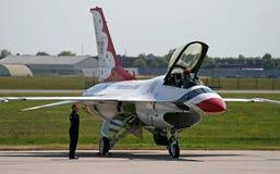 самолет-истребитель с готового принимает к Стоковая Фотография