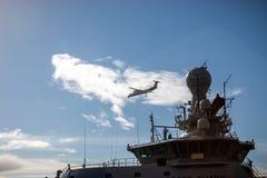 Самолет и корабль в Исландии стоковые фото