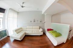 Самомоднейшая живущая комната Стоковые Изображения RF