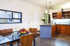 Самомоднейшая кухня стоковые изображения rf
