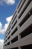 самомоднейшая структура стоянкы автомобилей Стоковая Фотография RF