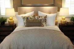 самомоднейшее спальни домашнее роскошное Стоковая Фотография RF