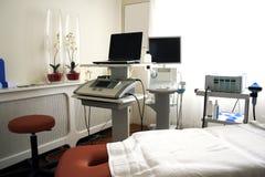Самомоднейшие аппаратуры в физиотерапии clnic Стоковая Фотография