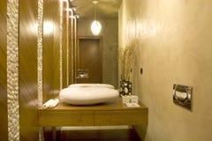 самомоднейший туалет стоковые фотографии rf
