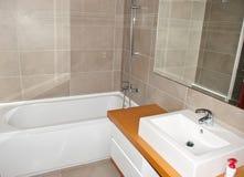 Самомоднейшая ванная комната Стоковое фото RF