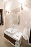 Самомоднейшая ванная комната Стоковая Фотография RF