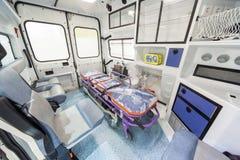 Самомоднейшая машина скорой помощи в выставке Стоковые Изображения