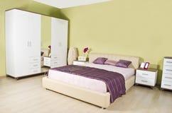 Самомоднейшая спальня Стоковые Изображения RF