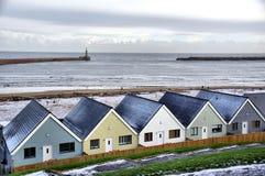 Самомоднейшие дома морем стоковые фотографии rf