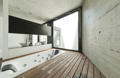Самомоднейший интерьер ванной комнаты стоковые изображения