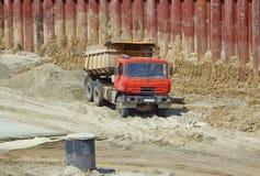 Самосвал на строительстве дорог Стоковые Фотографии RF