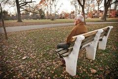 Самостоятельно в парке Стоковое Изображение RF