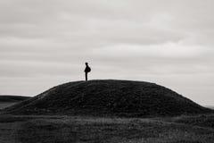 Самостоятельно на холме стоковое фото rf