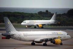 Самолеты Vueling Стоковые Фотографии RF