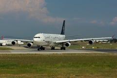 Самолет аэробуса A340 союзничества звезды Стоковая Фотография