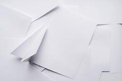 Самолет белой бумаги стоковое изображение