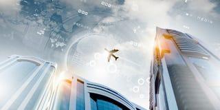 Самолет в небе стоковое изображение