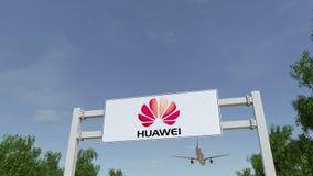 Самолет летая над афишей рекламы с логотипом Huawei Редакционное 3D представляя зажим 4K акции видеоматериалы