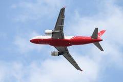 самолет принимает стоковые изображения rf