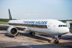 Самолет Сингапоре Аирлинес Боинга Стоковая Фотография RF