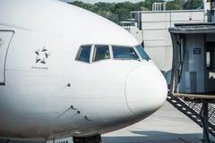 Самолет Сингапоре Аирлинес Боинга Стоковые Фотографии RF