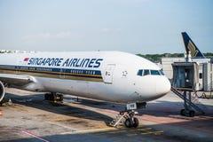 Самолет Сингапоре Аирлинес Боинга Стоковое Изображение