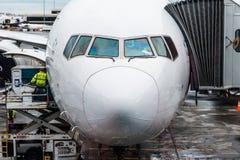 Самолет Сингапоре Аирлинес Боинга Стоковые Изображения