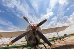 самолет старый пасмурное небо Стоковое Изображение