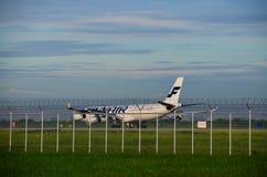 Самолет Finair принимает  Стоковые Изображения RF