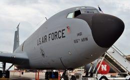 Самолет KC-135 Stratotanker дозаправляя Стоковая Фотография