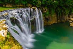 Самый большой водопад в Тайване стоковые изображения rf