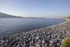 Самый высокий полный уровень хранения воды в запруде chon prakarn dan khun стоковое изображение