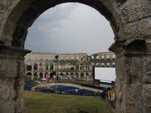 Самый известный и самый важный памятник в пулах, популярно вызвал арену пул Хорватия, Istra - 18-ое июля 2010 стоковая фотография