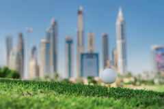 Самый лучший день для играть в гольф Шар для игры в гольф на тройнике для bal гольфа стоковое изображение rf