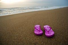 сандалии пляжа стоковые фотографии rf