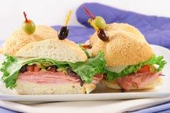 сандвичи еды перста Стоковая Фотография RF