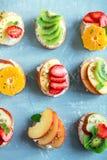 Сандвичи плодоовощ с сыром рикотты Стоковые Изображения