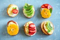Сандвичи плодоовощ с сыром рикотты Стоковое Изображение