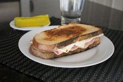 Сандвич ветчины и сыра стоковая фотография rf
