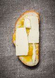 Сандвич меда масла сыра стоковые фото