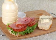 сандвич подготовки ветчины Стоковая Фотография RF