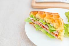 сандвич сыра ветчины waffle Стоковая Фотография