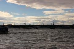 Санкт-Петербург от мостов воды Стоковое Изображение RF