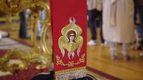 САНКТ-ПЕТЕРБУРГ, РОССИЯ - 10-ОЕ ИЮНЯ 2019: Интерьер собора христианства видеоматериал