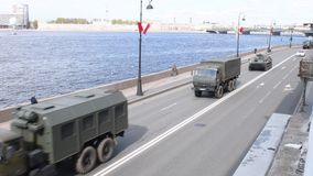 Санкт-Петербург, Россия, 8-ое мая 2019, военное оборудование на репетиции парада в честь дня победы 9-ого мая сток-видео