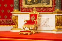 Санкт-Петербург, Россия - 12-ое мая 2017: Малая комната трона Зимнего дворца, также известная как Питер большой мемориальный Hall Стоковые Фотографии RF